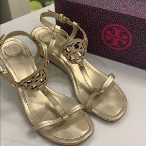 Tory Burch Miller Metallic Wedge sandal Sz 7